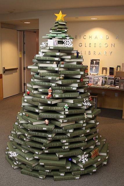 book-christmas-tree1
