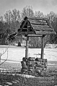 old-water-well-black-and-white-ms-judi